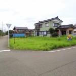 長岡市曲新町の土地の写真(前面道路)