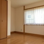 柏崎市下田尻の中古住宅の写真(子供部屋)