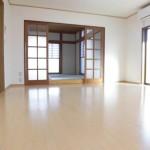 柏崎市下田尻の中古住宅の写真(居間)