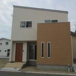 新潟市江南区横越中央の新築住宅の写真