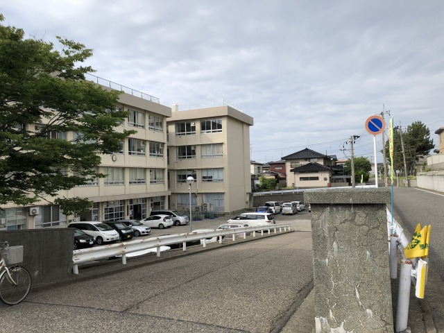 新潟市西区西小針台の土地の近隣写真