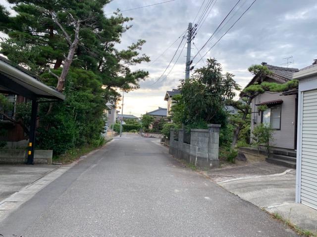 新潟市江南区横越東町の【土地・分譲地】の前面道路