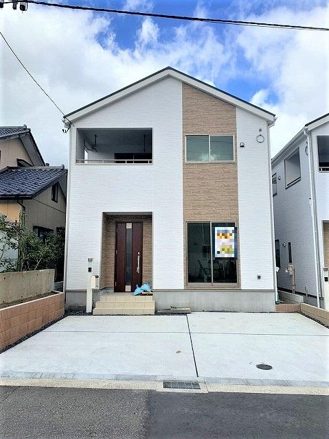 新潟市西区寺尾上の新築住宅の写真