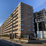三条市東三条1丁目のマンションの写真