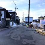 新潟市東区逢谷内の新築住宅の前面道路写真