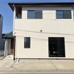 新潟市西区小針の中古住宅の外観写真