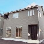 新潟市東区紫竹の新築住宅2号棟の外観写真